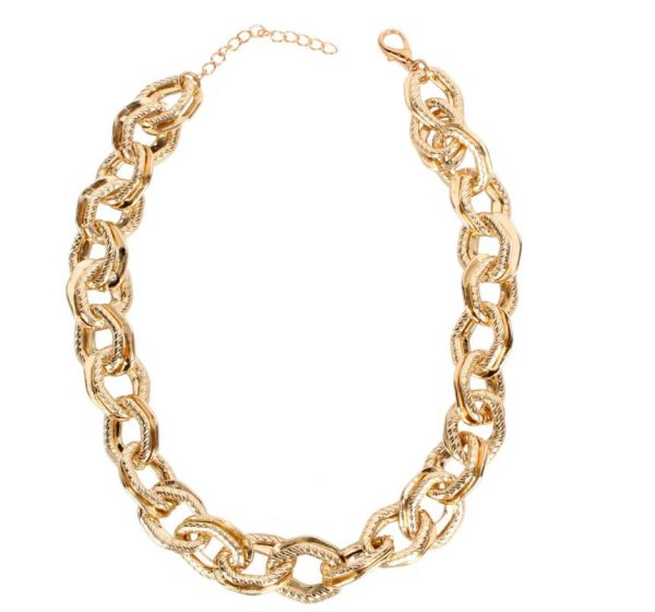 6aa2e88f b611 5d95 a7e5 465890183ec1 » Chunky chain gold necklace » CHRISTI TASKER MIAMI » Designer Fashion Jewelry & Home Decor Boutique » Miami Yacht Club Ropes | Double Chunky Chain Gold Necklace » The perfect staple for every wardrobe, my Miami Yacht Club Ropes necklace is super detailed double chainlinks with fine rope etching on one of the links. See my recommendations below for earrings that coordinate nicely with this necklace.